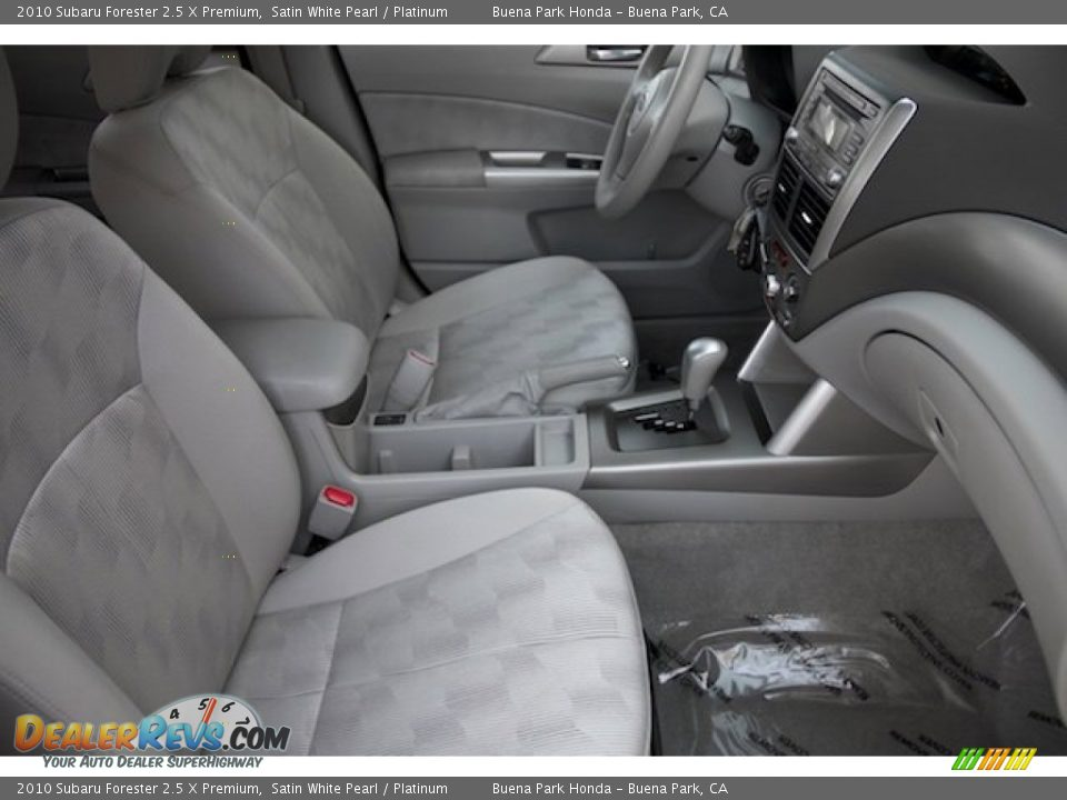 2010 Subaru Forester 2.5 X Premium Satin White Pearl / Platinum Photo #18