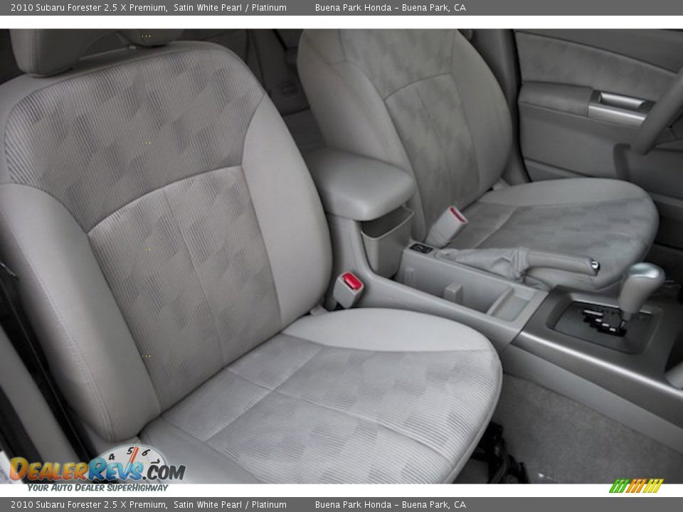 2010 Subaru Forester 2.5 X Premium Satin White Pearl / Platinum Photo #20