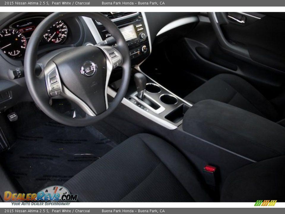 2015 Nissan Altima 2.5 S Pearl White / Charcoal Photo #11