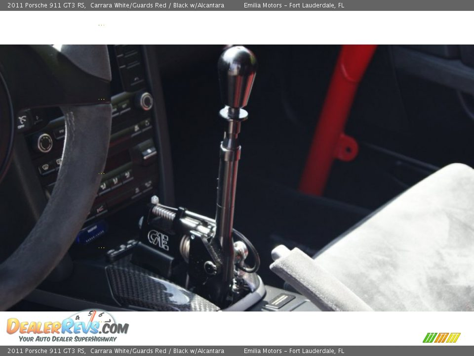 2011 Porsche 911 GT3 RS Shifter Photo #31
