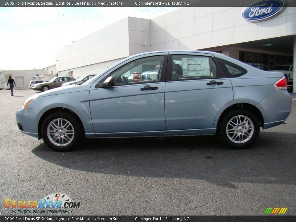 2009 ford focus se sedan light ice blue metallic medium. Black Bedroom Furniture Sets. Home Design Ideas