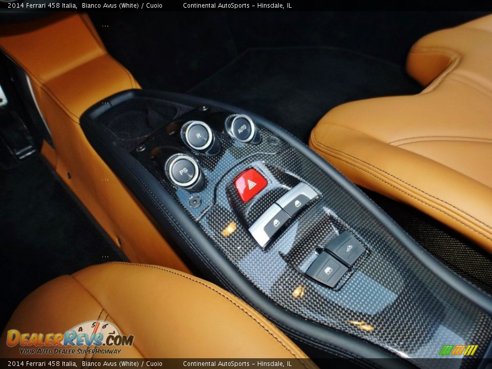 Controls of 2014 Ferrari 458 Italia Photo #24