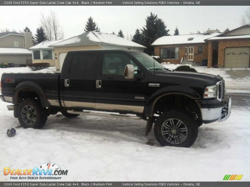 2006 Ford F350 Super Duty Lariat Crew Cab 4x4 Black / Medium Flint Photo #3