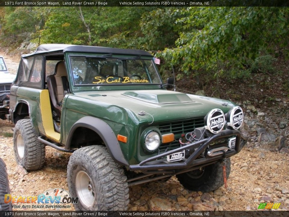 1971 Ford Bronco Sport Wagon Land Rover Green / Beige Photo #2
