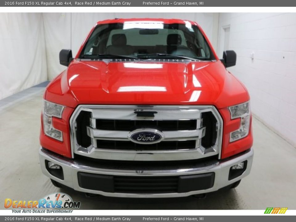 2016 Ford F150 XL Regular Cab 4x4 Race Red / Medium Earth Gray Photo #2