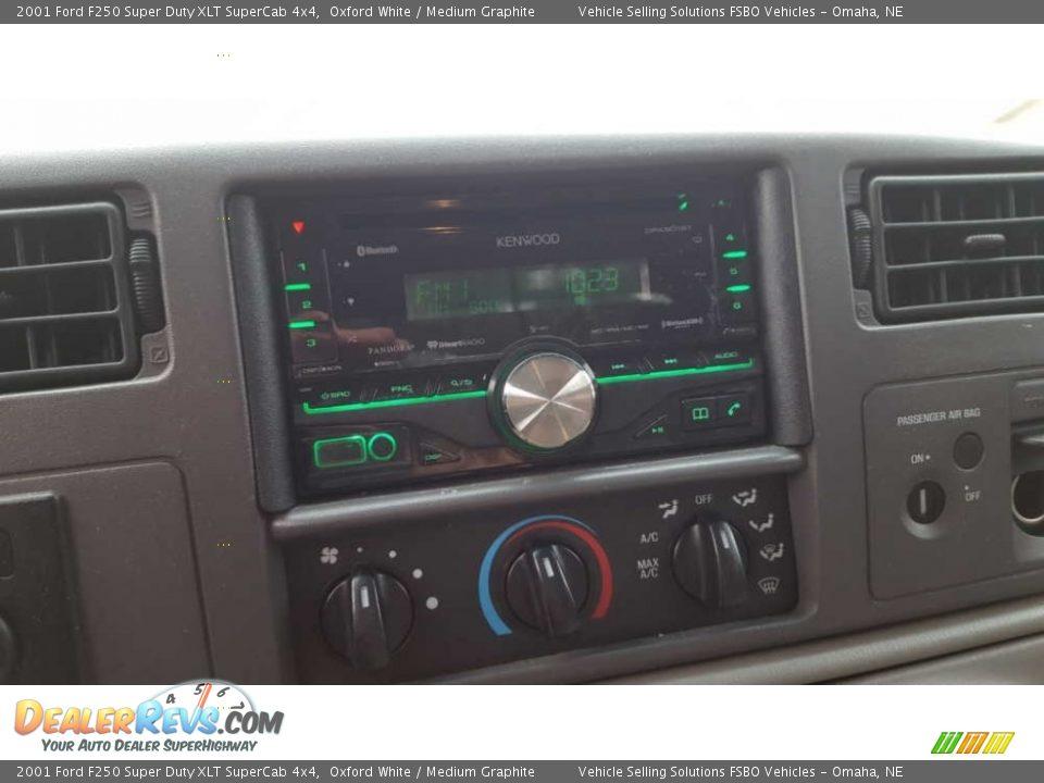 2001 Ford F250 Super Duty XLT SuperCab 4x4 Oxford White / Medium Graphite Photo #5