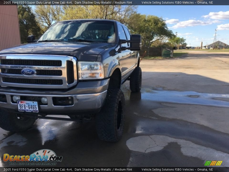 2005 Ford F350 Super Duty Lariat Crew Cab 4x4 Dark Shadow Grey Metallic / Medium Flint Photo #4
