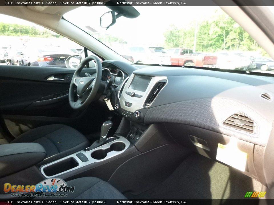 2016 Chevrolet Cruze LS Sedan Silver Ice Metallic / Jet Black Photo #5