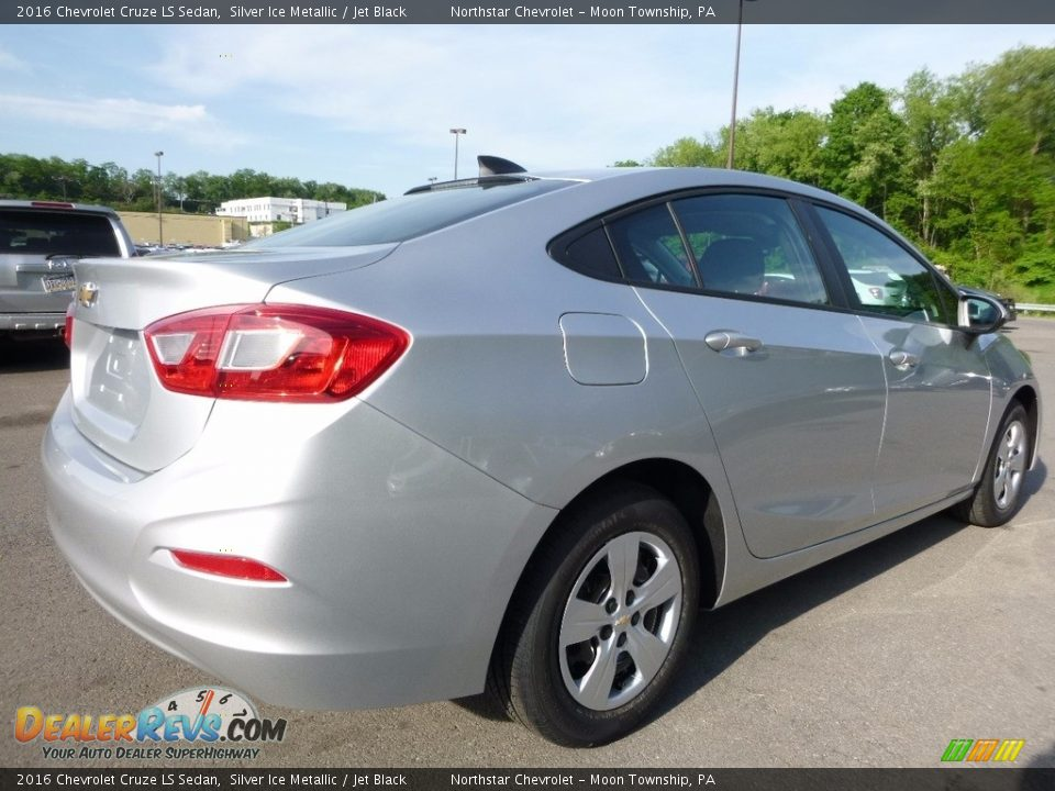 2016 Chevrolet Cruze LS Sedan Silver Ice Metallic / Jet Black Photo #7