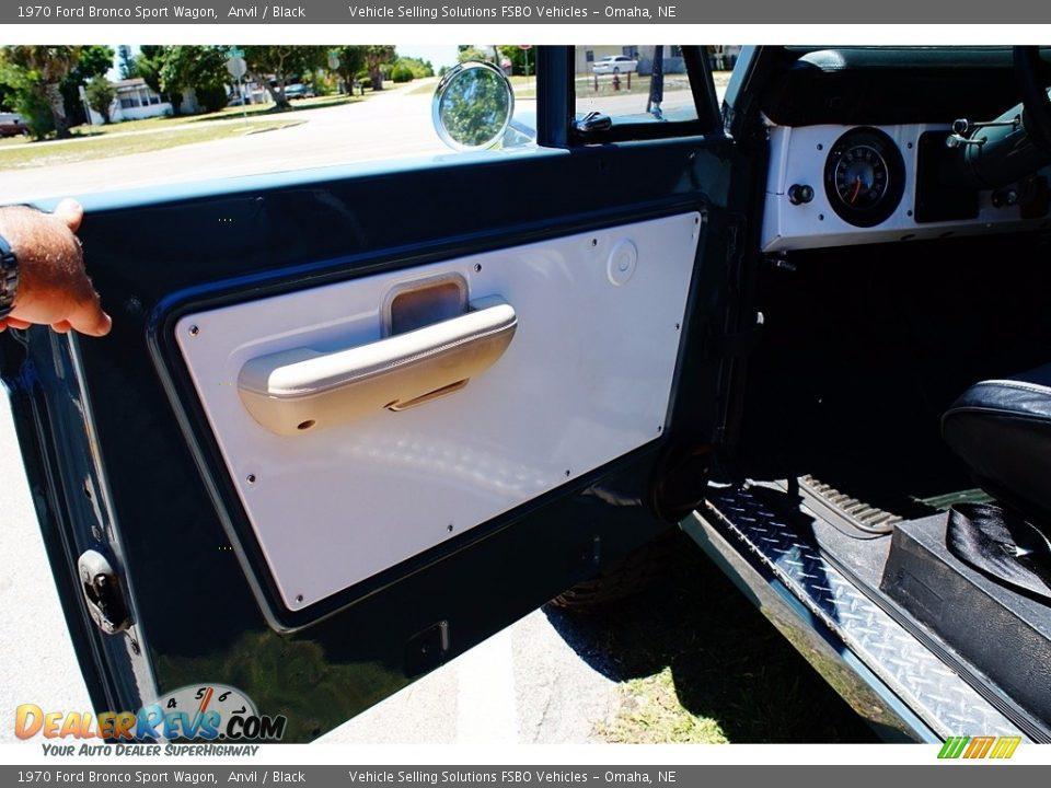 1970 Ford Bronco Sport Wagon Anvil / Black Photo #5