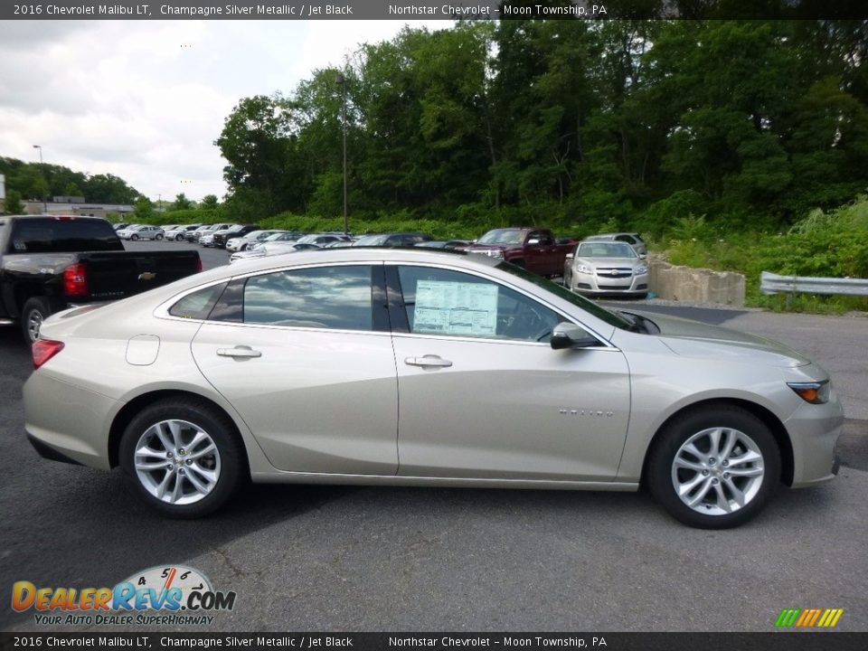 2016 Chevrolet Malibu LT Champagne Silver Metallic / Jet Black Photo #4