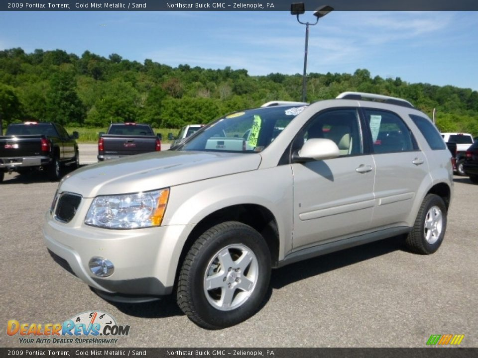 Front 3/4 View of 2009 Pontiac Torrent  Photo #1