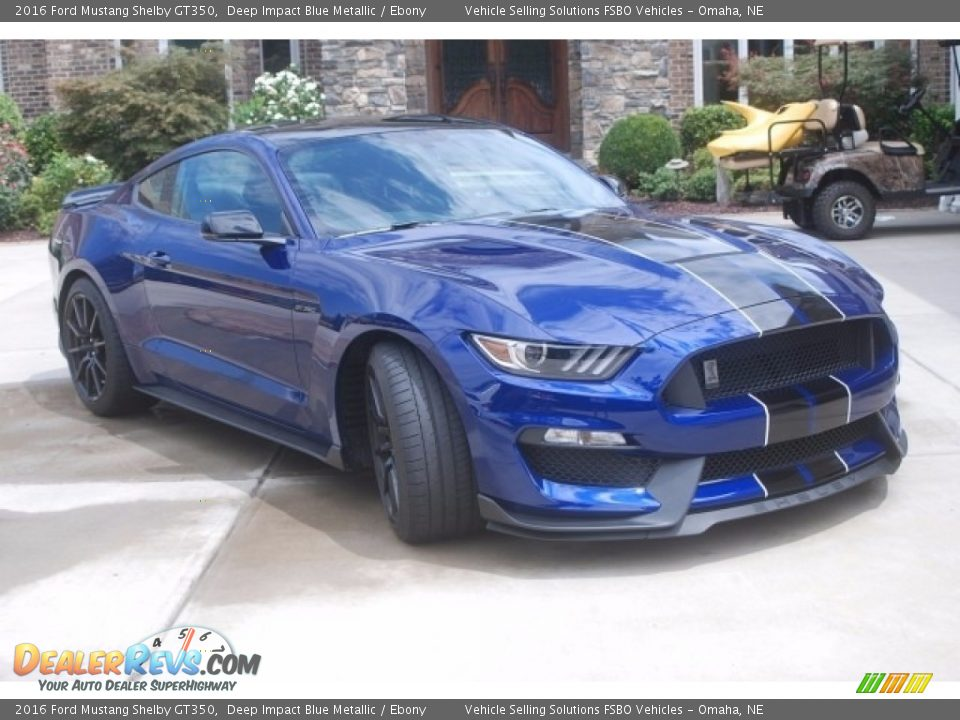 Front 3/4 View of 2016 Ford Mustang Shelby GT350 Photo #6