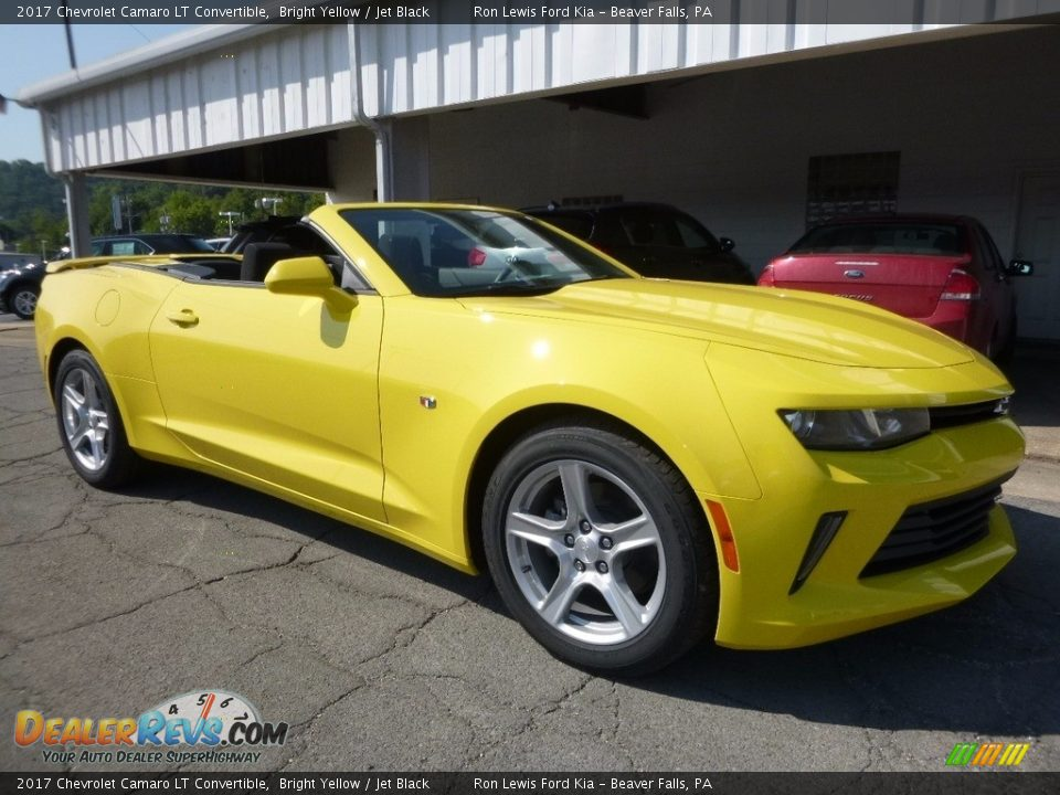 Front 3/4 View of 2017 Chevrolet Camaro LT Convertible Photo #8