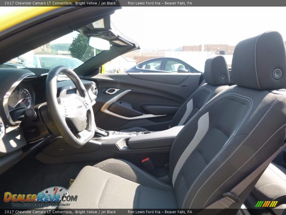 Front Seat of 2017 Chevrolet Camaro LT Convertible Photo #10