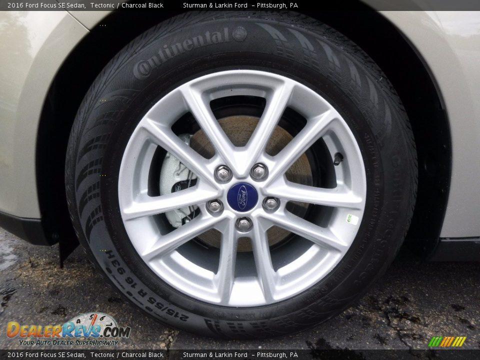 2016 Ford Focus SE Sedan Tectonic / Charcoal Black Photo #6