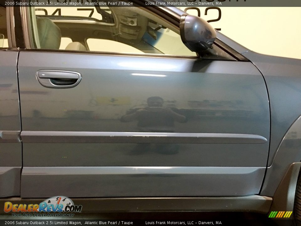 2006 Subaru Outback 2.5i Limited Wagon Atlantic Blue Pearl / Taupe Photo #33