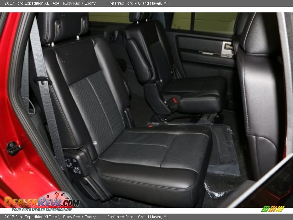 2017 Ford Expedition XLT 4x4 Ruby Red / Ebony Photo #6