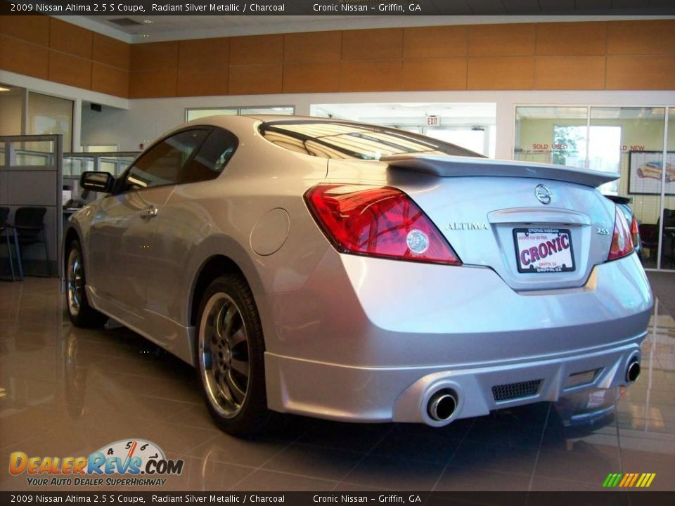 2009 nissan altima 2 5 s coupe radiant silver metallic charcoal photo 11. Black Bedroom Furniture Sets. Home Design Ideas