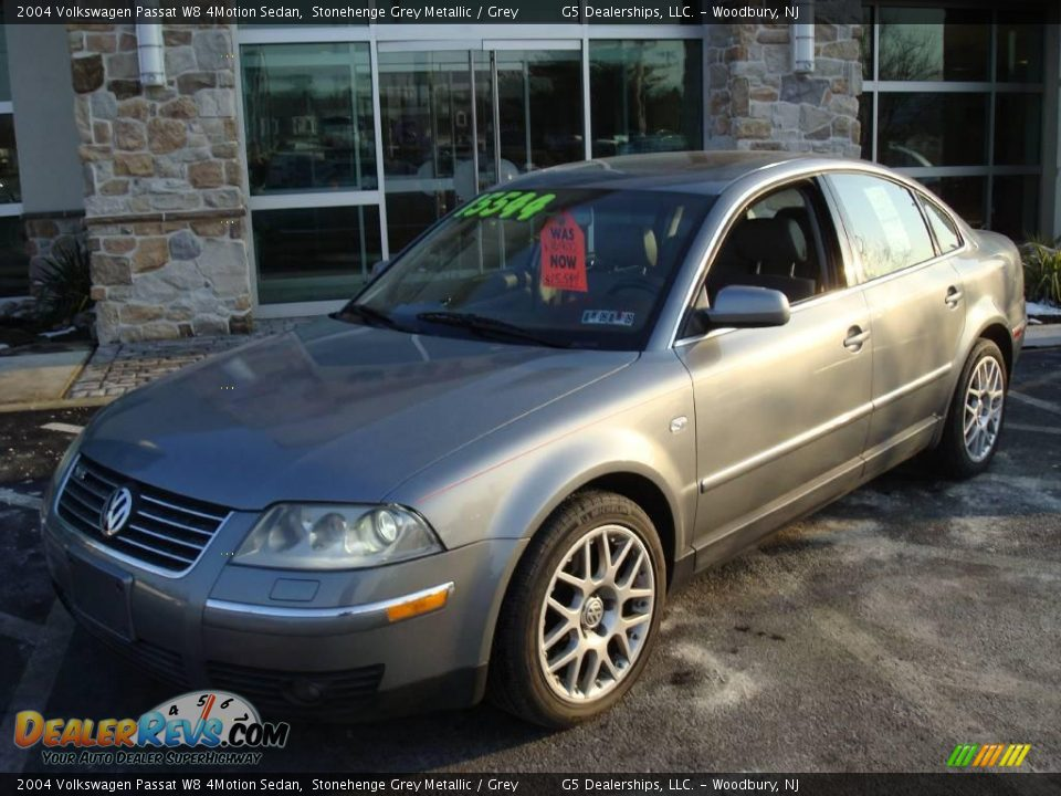 2004 volkswagen passat w8 4motion sedan stonehenge grey metallic grey photo 2. Black Bedroom Furniture Sets. Home Design Ideas