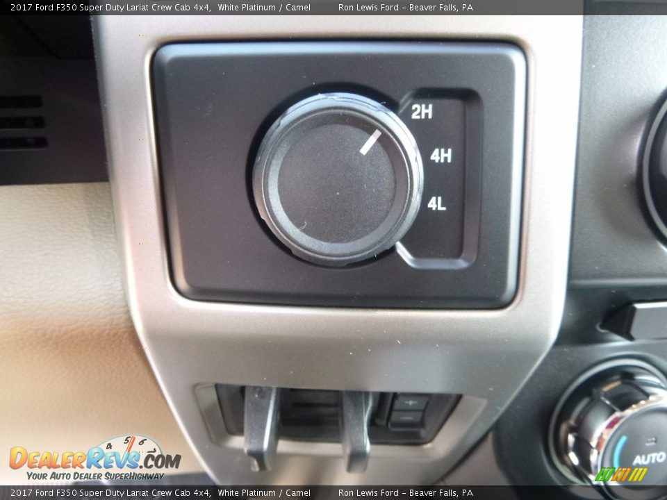 Controls of 2017 Ford F350 Super Duty Lariat Crew Cab 4x4 Photo #17