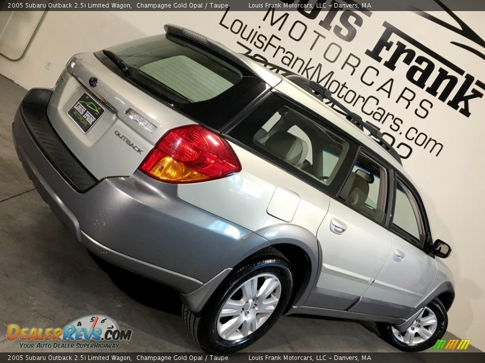 2005 Subaru Outback 2.5i Limited Wagon Champagne Gold Opal / Taupe Photo #5