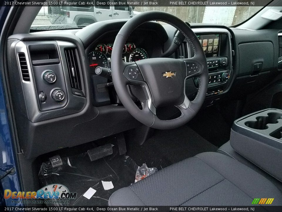 Front Seat of 2017 Chevrolet Silverado 1500 LT Regular Cab 4x4 Photo #7