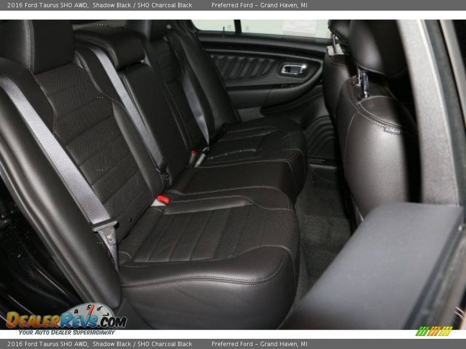 Rear Seat of 2016 Ford Taurus SHO AWD Photo #6