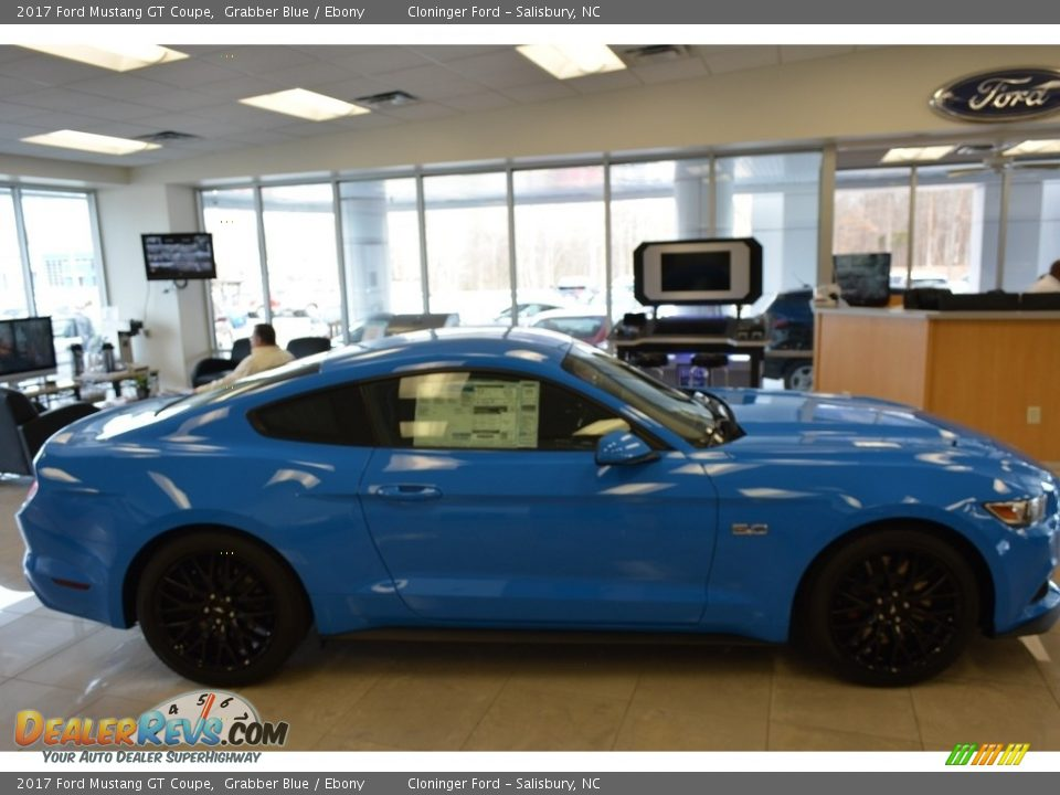 2017 Ford Mustang GT Coupe Grabber Blue / Ebony Photo #2