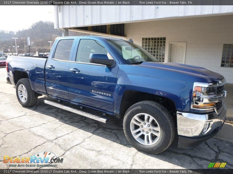 2017 Chevrolet Silverado 1500 LT Double Cab 4x4 Deep Ocean Blue Metallic / Jet Black Photo #9