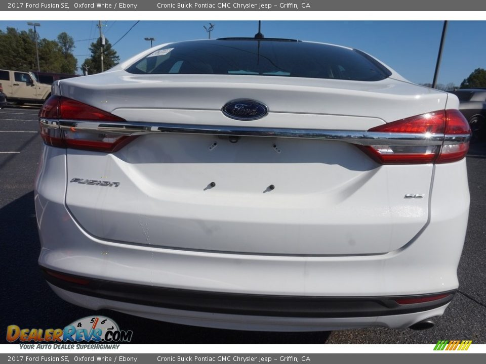 2017 Ford Fusion SE Oxford White / Ebony Photo #6