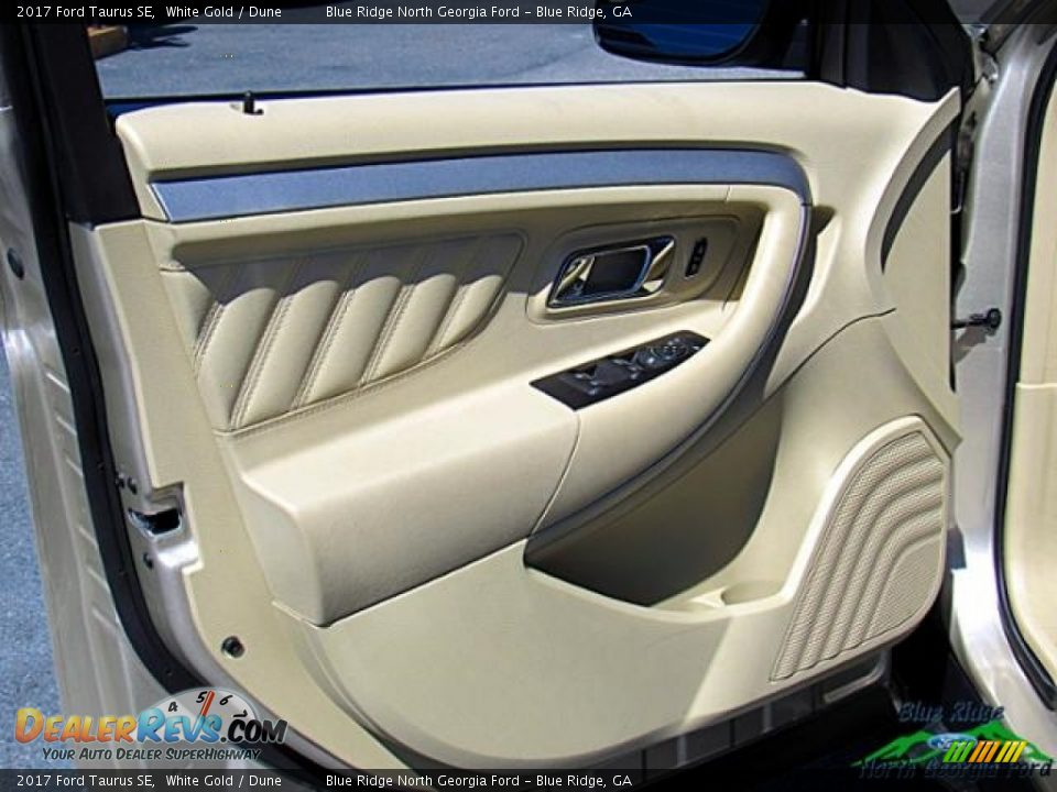 2017 Ford Taurus SE White Gold / Dune Photo #27