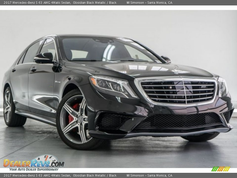 Front 3/4 View of 2017 Mercedes-Benz S 63 AMG 4Matic Sedan Photo #12