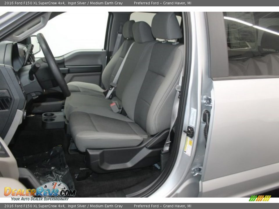 2016 Ford F150 XL SuperCrew 4x4 Ingot Silver / Medium Earth Gray Photo #3