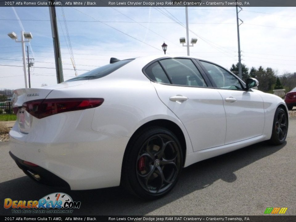 2017 Alfa Romeo Giulia Ti AWD Alfa White / Black Photo #9