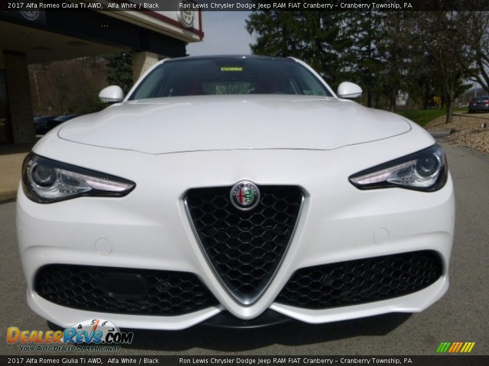 2017 Alfa Romeo Giulia Ti AWD Alfa White / Black Photo #13