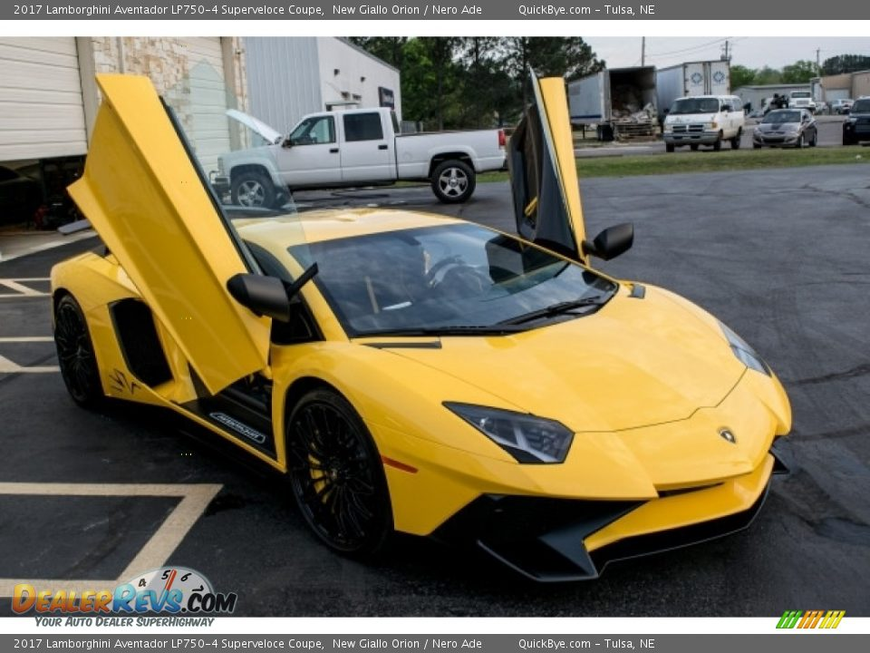 New Giallo Orion 2017 Lamborghini Aventador LP750-4 Superveloce Coupe Photo #5