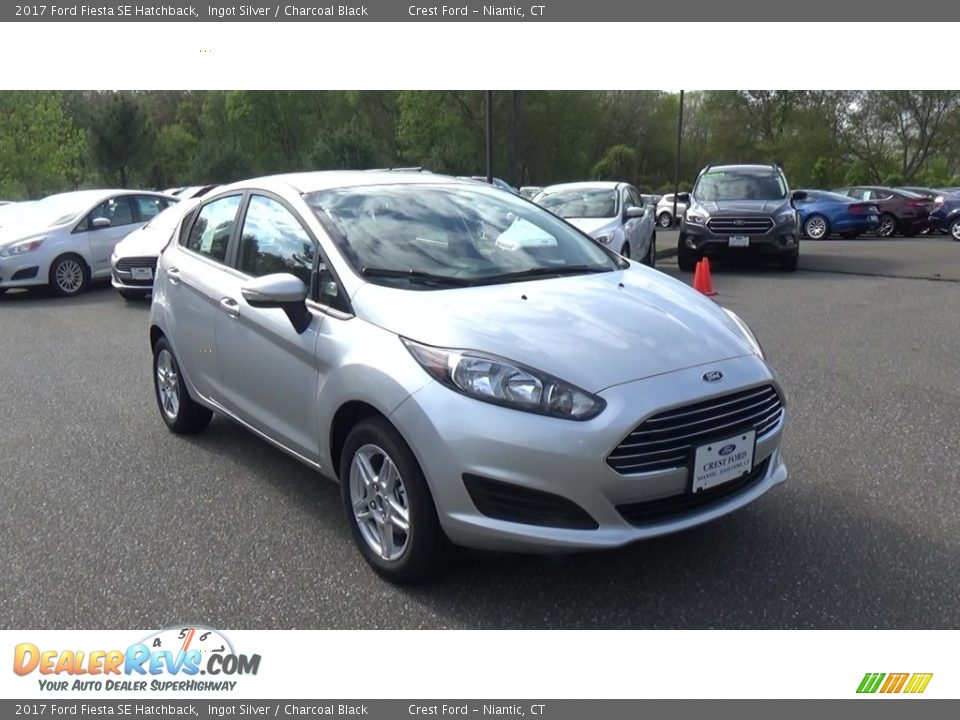 2017 Ford Fiesta SE Hatchback Ingot Silver / Charcoal Black Photo #1