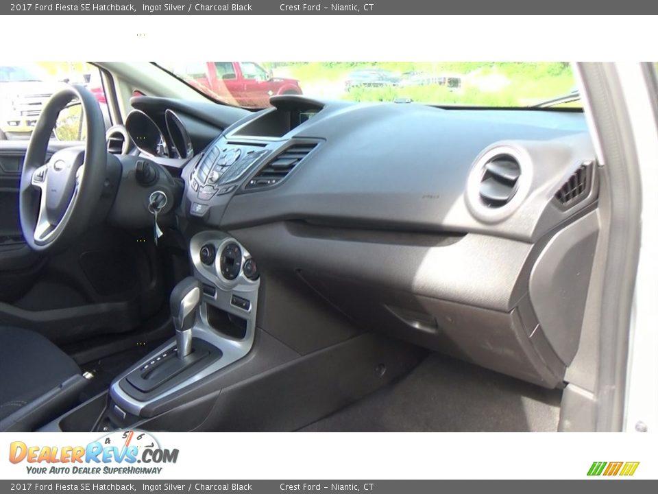 2017 Ford Fiesta SE Hatchback Ingot Silver / Charcoal Black Photo #25