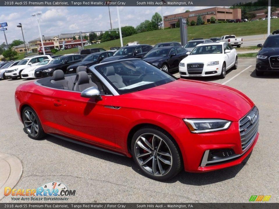 Front 3/4 View of 2018 Audi S5 Premium Plus Cabriolet Photo #4