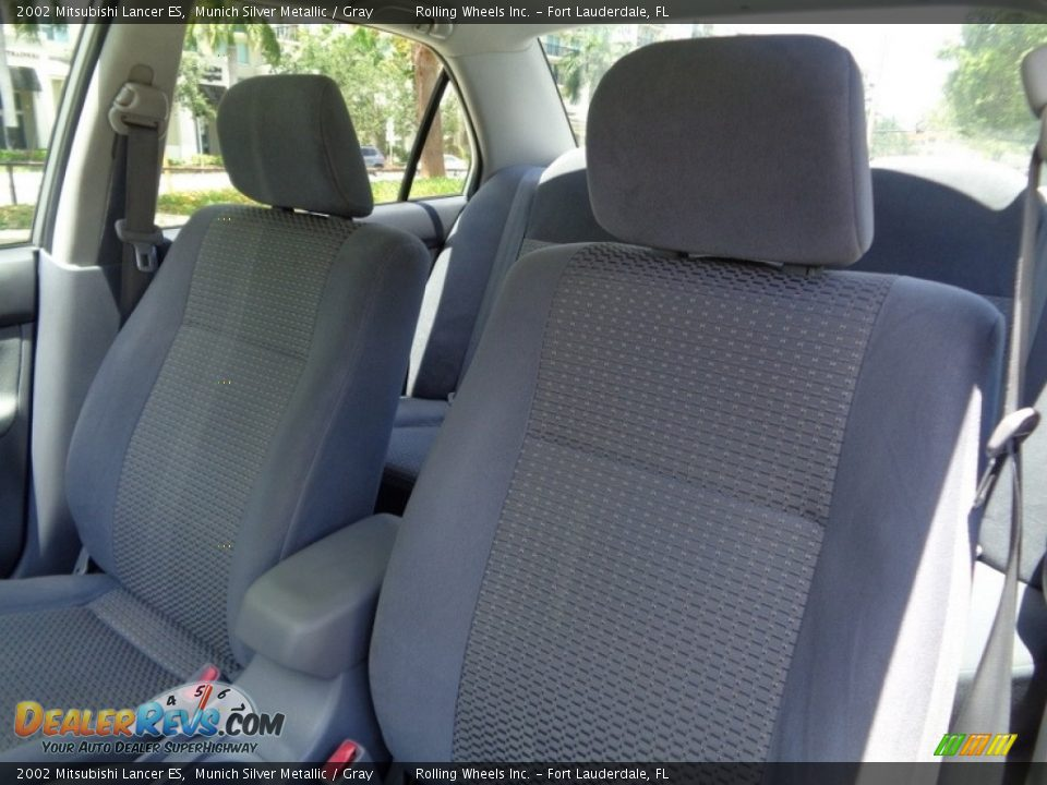 2002 Mitsubishi Lancer ES Munich Silver Metallic / Gray Photo #20
