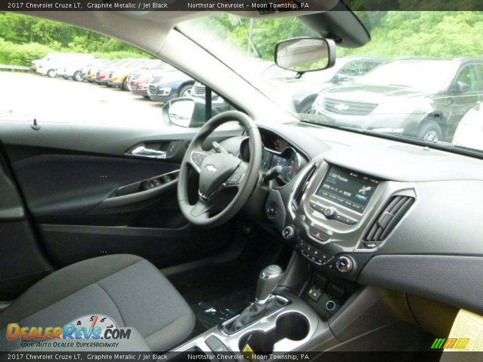 2017 Chevrolet Cruze LT Graphite Metallic / Jet Black Photo #11