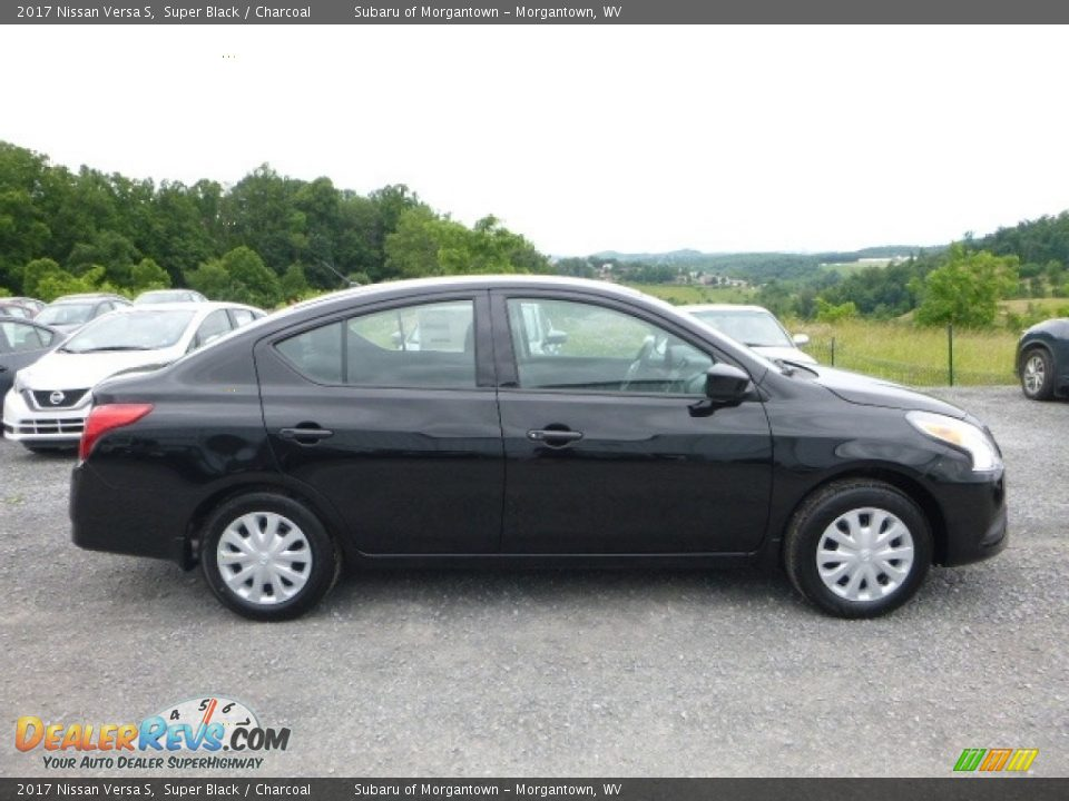 2017 Nissan Versa S Super Black / Charcoal Photo #6