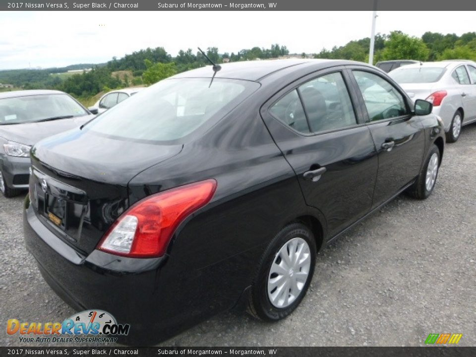 2017 Nissan Versa S Super Black / Charcoal Photo #7