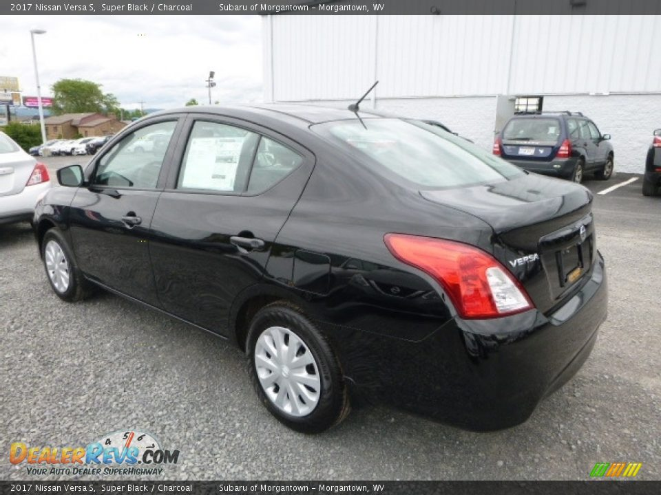 2017 Nissan Versa S Super Black / Charcoal Photo #9