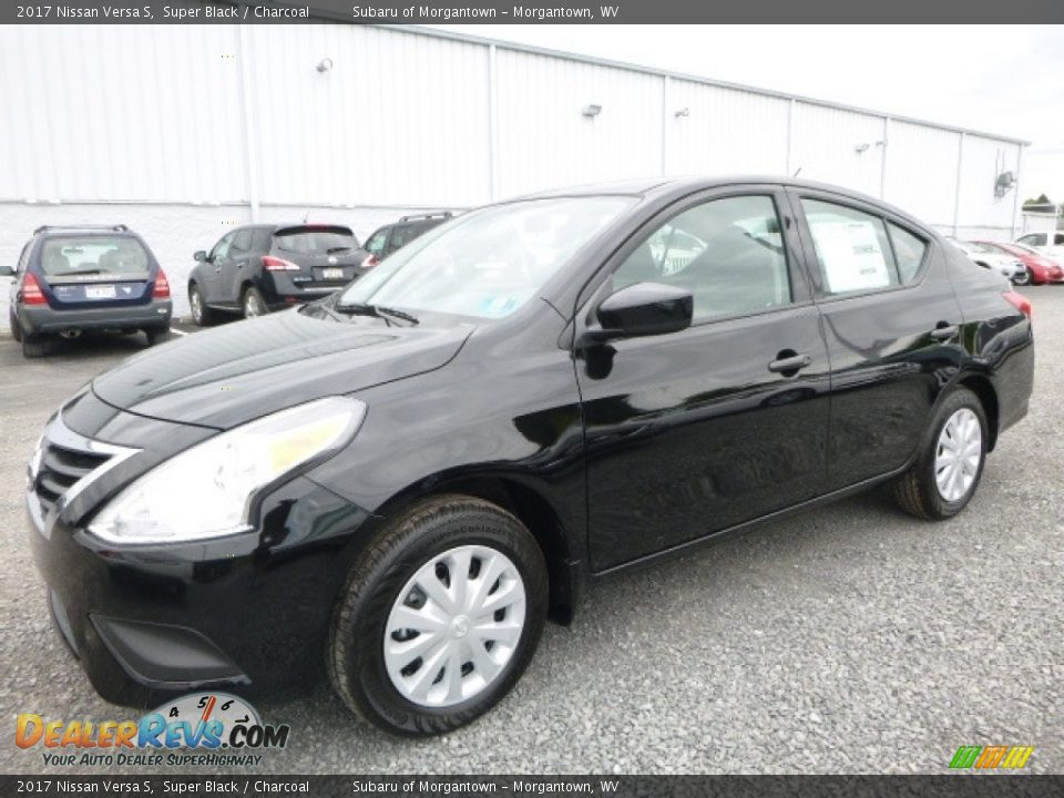2017 Nissan Versa S Super Black / Charcoal Photo #10