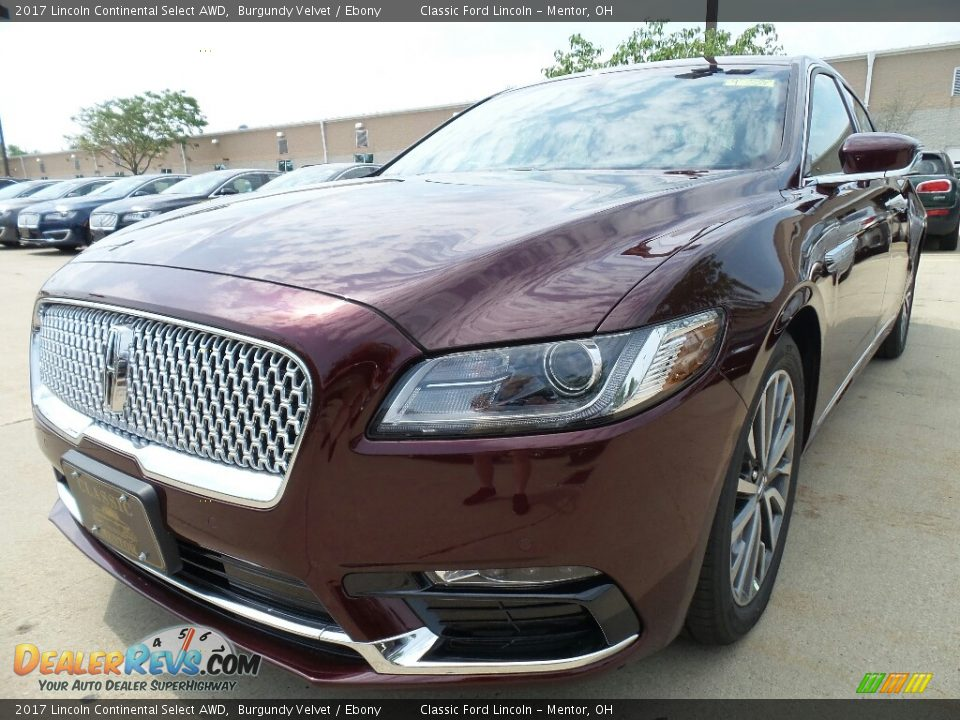Front 3/4 View of 2017 Lincoln Continental Select AWD Photo #1