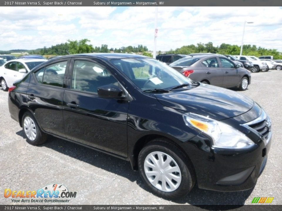 2017 Nissan Versa S Super Black / Charcoal Photo #1