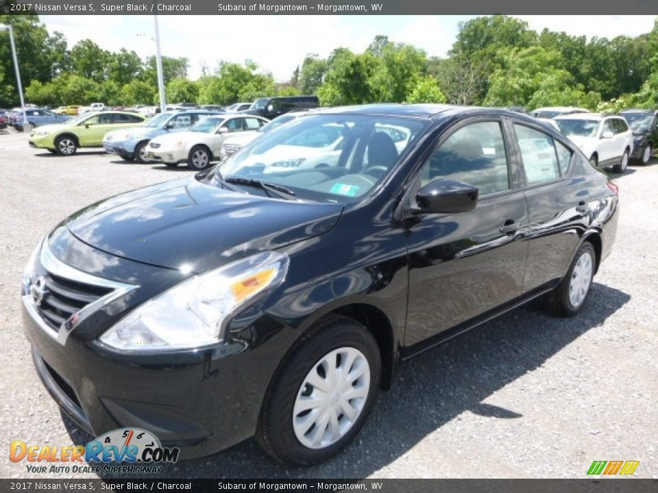 2017 Nissan Versa S Super Black / Charcoal Photo #8