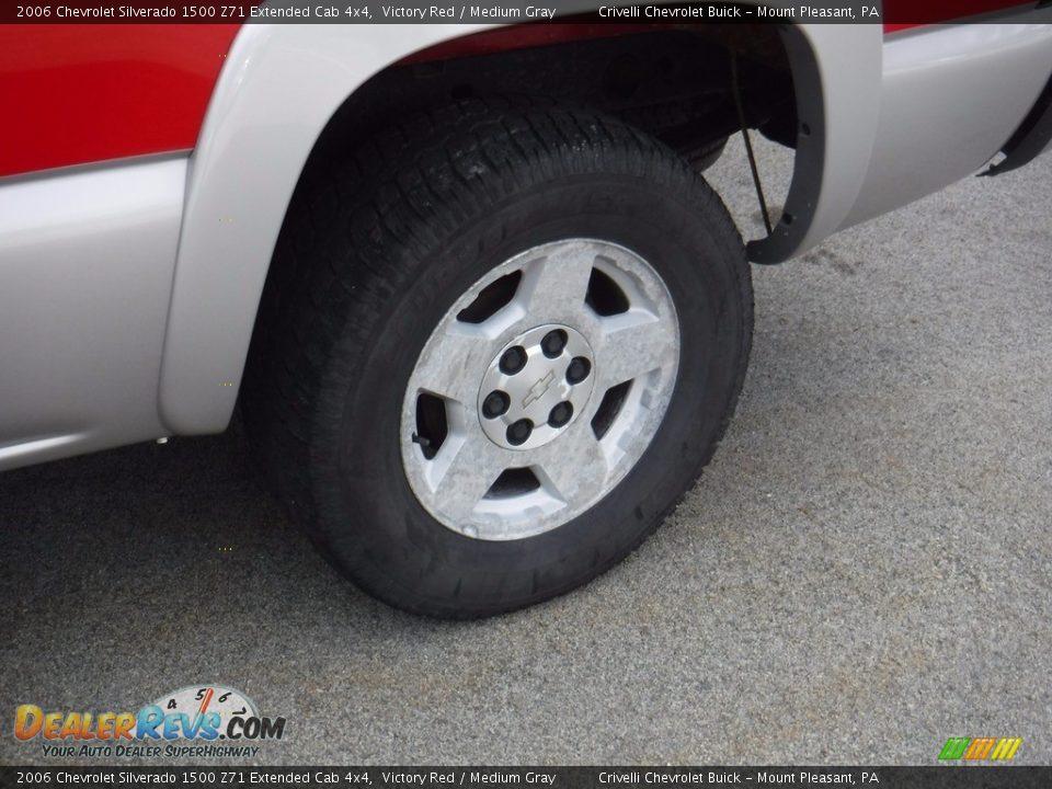 2006 Chevrolet Silverado 1500 Z71 Extended Cab 4x4 Victory Red / Medium Gray Photo #4